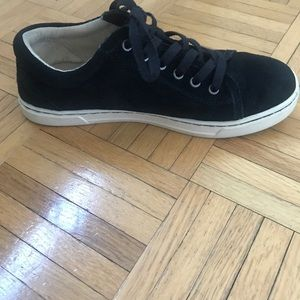 UGG Shoes - UGG Tomi Sneakers